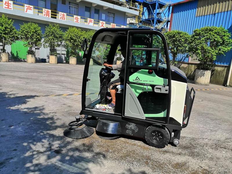 防城港化工厂驾驶式扫地车